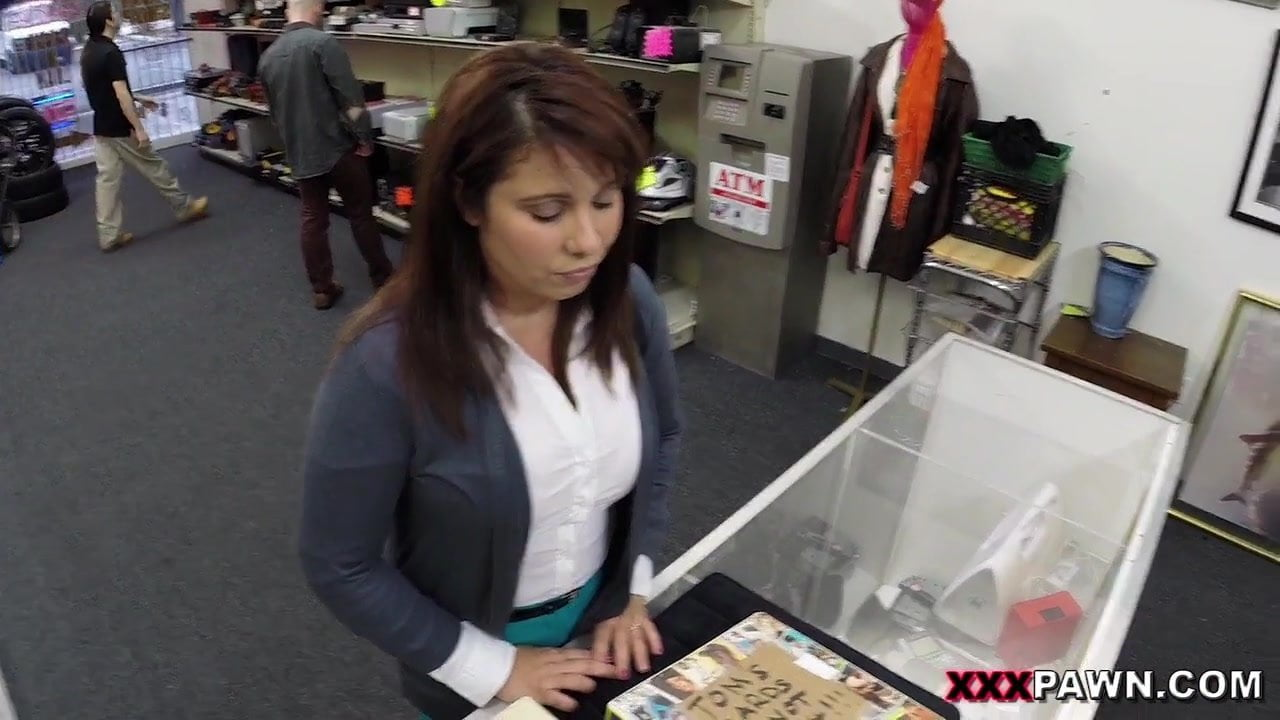 Milf sells her husbands stuff for bail