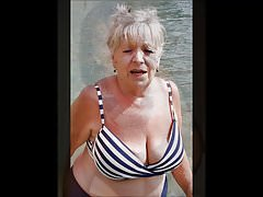 CHARMING WOMEN 8 (nice cleavage)
