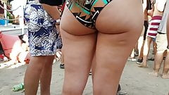 Candid omg big natural pawg!!