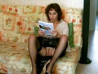 une cochonne exhibitionniste - lecture sans culotte