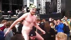 Str8 naked guys enjoying a concertn