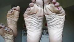 Latina Soles toe spreading
