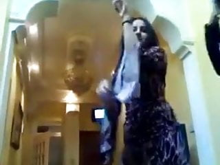 hot qatarien girl dancing so sexy