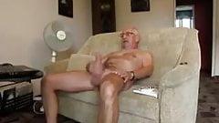 Mustache daddy cum on cam
