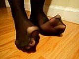 Mature nylon toe wiggle 2