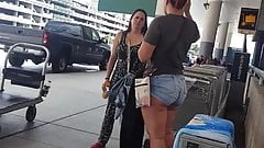 Candid bubble butt in Jeans