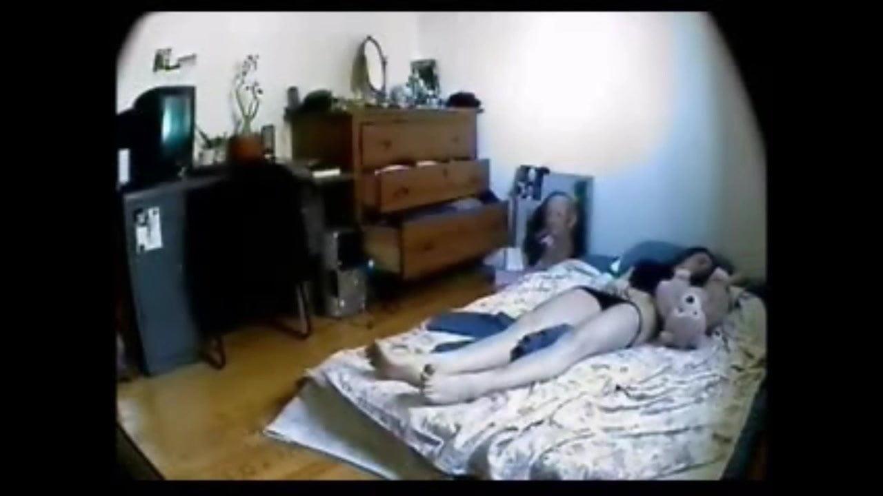 скрытая камера в спальне смотреть видео онлайн порно