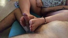Young bbw give me a footjob with oil