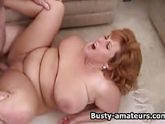 Busty amateur Mindy Jo on threesome fucking