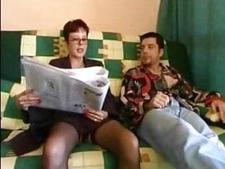 Mom taking anal - Mom anal take cock in arsehole troia inculata bello duro per bene in fondo al culo e spacca tutto