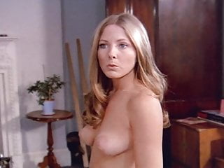Nude arabic house wife