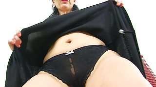 Spanish milf Montse Swinger can't control her sexual urges