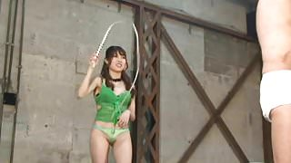 Japanese Femdom beat violently whip on the body of slaves
