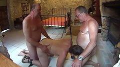 Slut in use, alternative view.