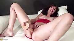 Euro mom needs a good fuck