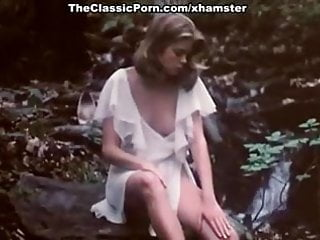 Download video bokep Kristine DeBell, Bucky Searles, Gila Havana in vintage porn Mp4 terbaru