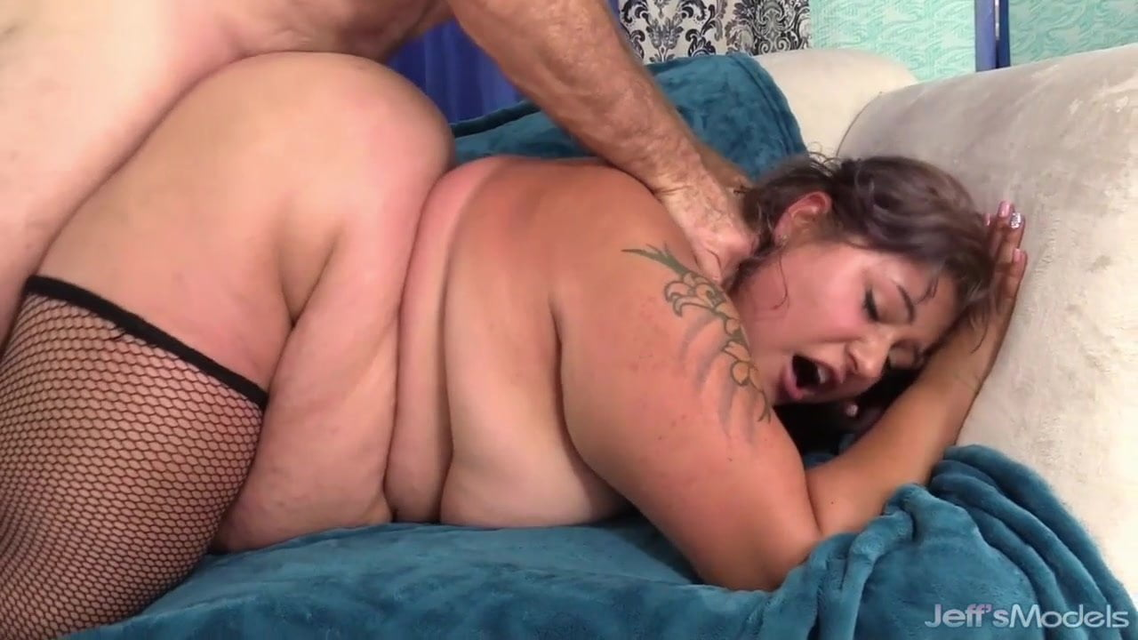 Hot PAWG Doggystyle Deep Creampie 2