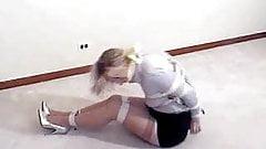 BLONDE REPORTER STRUGGLING ON THE FLOOR