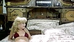 Ron Jeremy, Nina Hartley, Lili Marlene in vintage porn clip