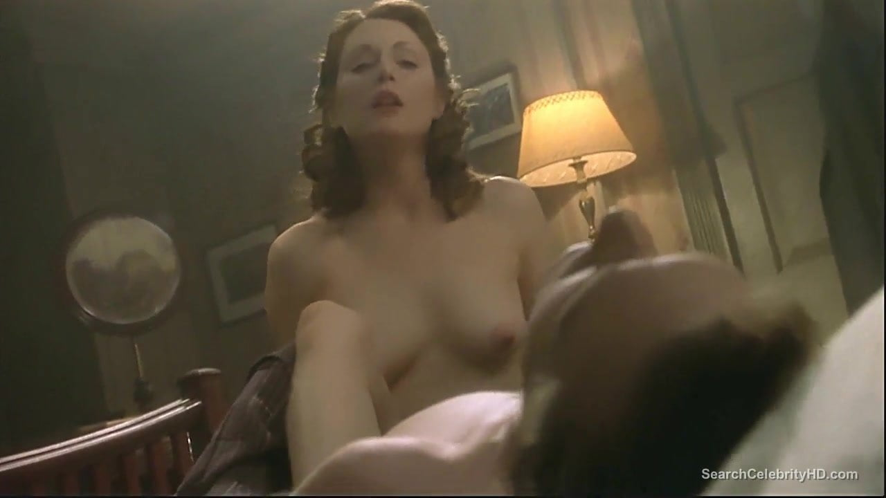 A naked image of julianne moore