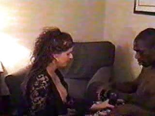 Download video bokep Wife Entertains BBC Mp4 terbaru