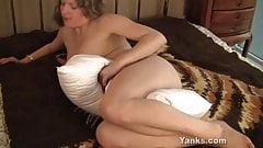 Yanks Emily Pillow Humper