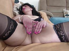 Horny mature mother with hungry vagina