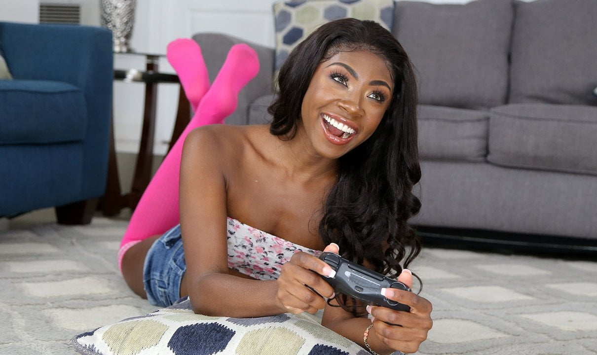 Free download & watch skinny black gamer teen          porn movies