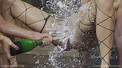 Champagne Fountain - Queensnake.com - Queensect.com
