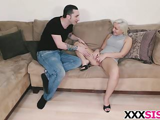 Tight stepsis Cleo Vixen gets nailed