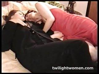 Twilightwomen Lesbian Deep Kissing Seduction