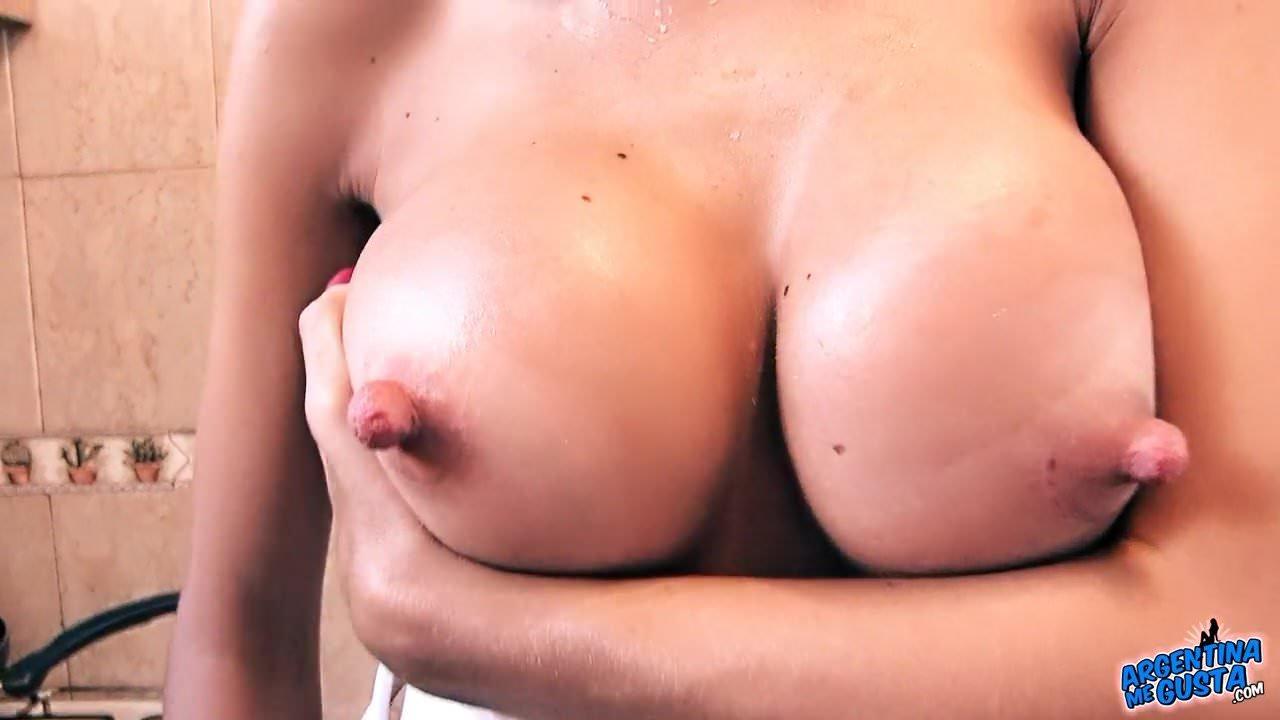 naked tan dark bobies