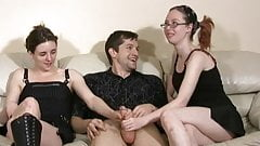 Due sorelle segano un ragazzo