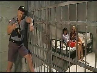 Prison guard has some fun (RoS)