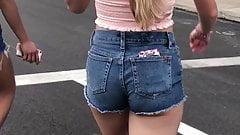 Lavish Sexy Candid Booty Blue-Jean Shorts slight cheeks