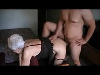 87 jarige oma geneukt door jonge lul - 3 part 9