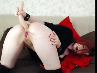 cam-slut enjoys deep anal