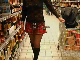 belge salope nue sous manteau