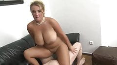 Gorgeous MILF with shaved pussy used by her boss