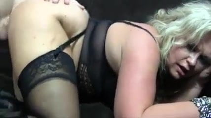 Blonde Mature anal in Hot Outfit