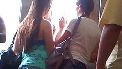 novinha gostosa no trem (teen in train)