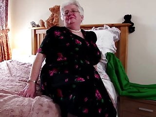 Vagina phot - Super granny with big boobs and hungry vagina