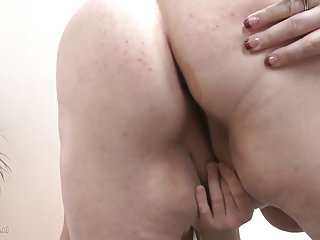 Download video bokep Old moms suck n fuck young sons Mp4 terbaru