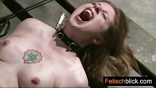Pretty fetish whore gaggin on rubber taking two fat cocks