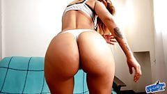 OMG Body Latina Huge Ass Huge Tits Deep Cameltoe in Tight Je