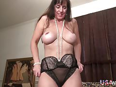 USAwives Horny Mature is Playing Naked with Toys