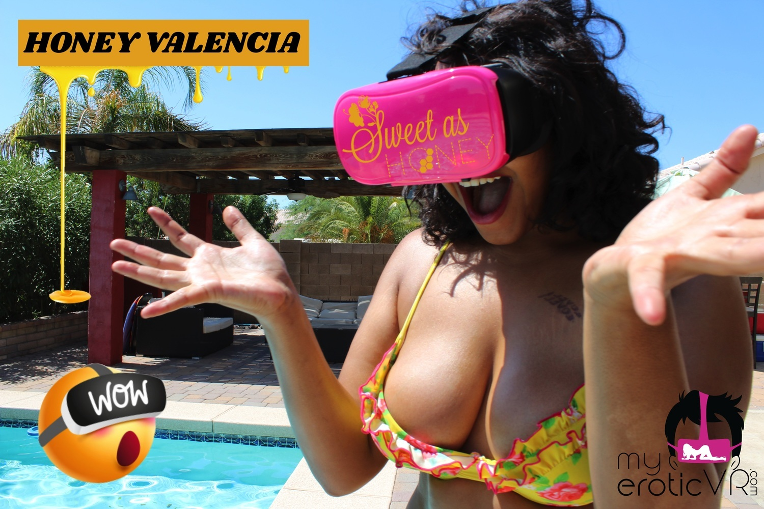 18 12 months outdated ebony Honey Valencia will get moist in VR – MyEroticVR