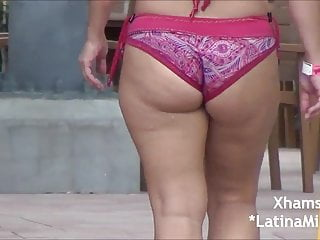 Super Thick Pawg Milf In Bikini At Water Park Omg