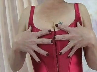 Busty tities - Saggy little titys and big nipples 2