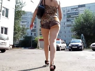 Sexy Ass Walk On The Street